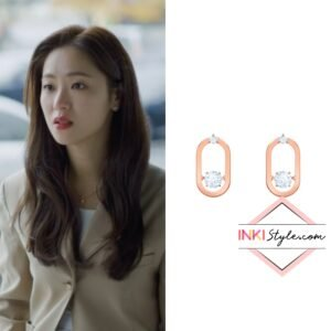 Jeon Yeo-bin's Sparkling Dance Pierced Earrings in Vincenzo