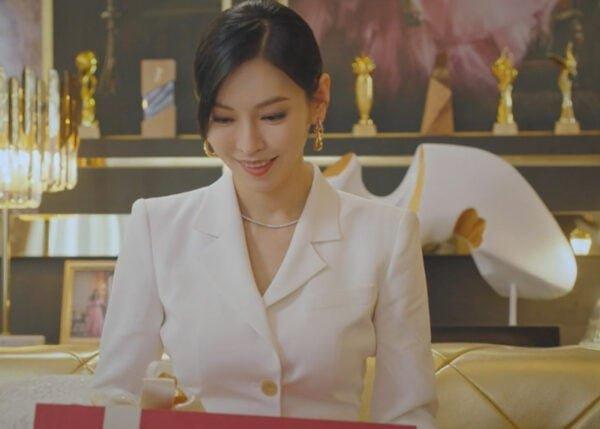 Penthouse 2 Kdrama Fashion - Kim So-Yeon - Episode 1-1