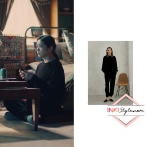 Jang Na-ra's Warm Texture Sweatshirt in Sell Your Haunted House