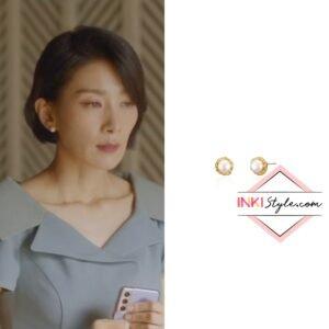 Kim Seo-hyung's Vintage Flower Pearl Earring in Mine